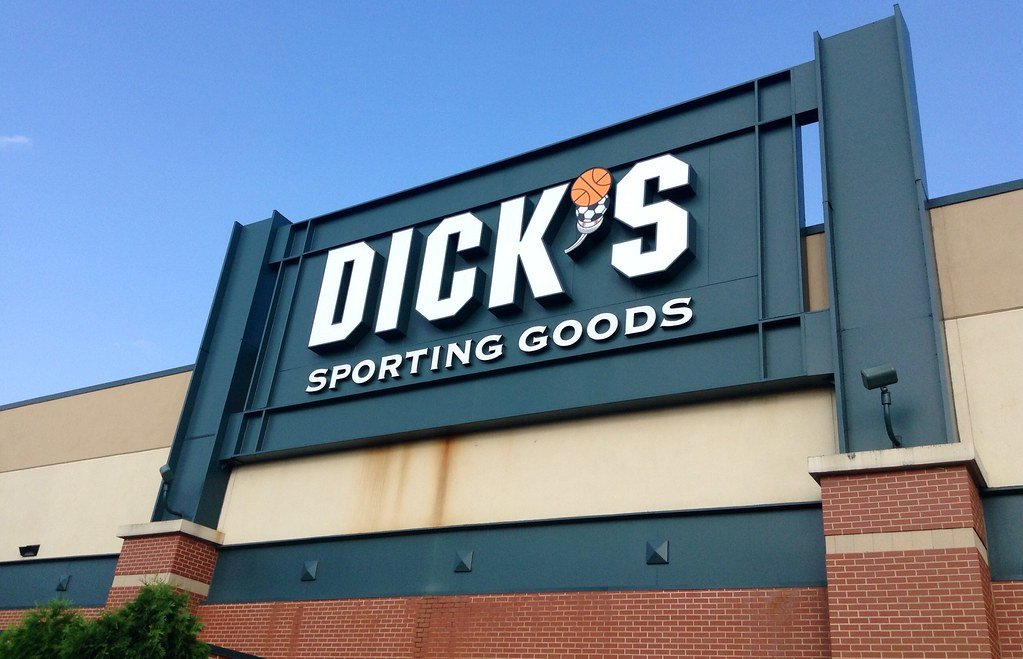 Dick's Sporting Goods storefront.