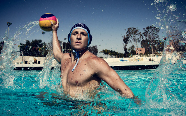Tony Azevedo playing water polo.