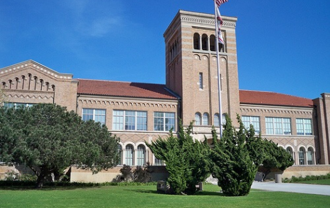 This is an image of Beverly Hill High school where the show takes place.